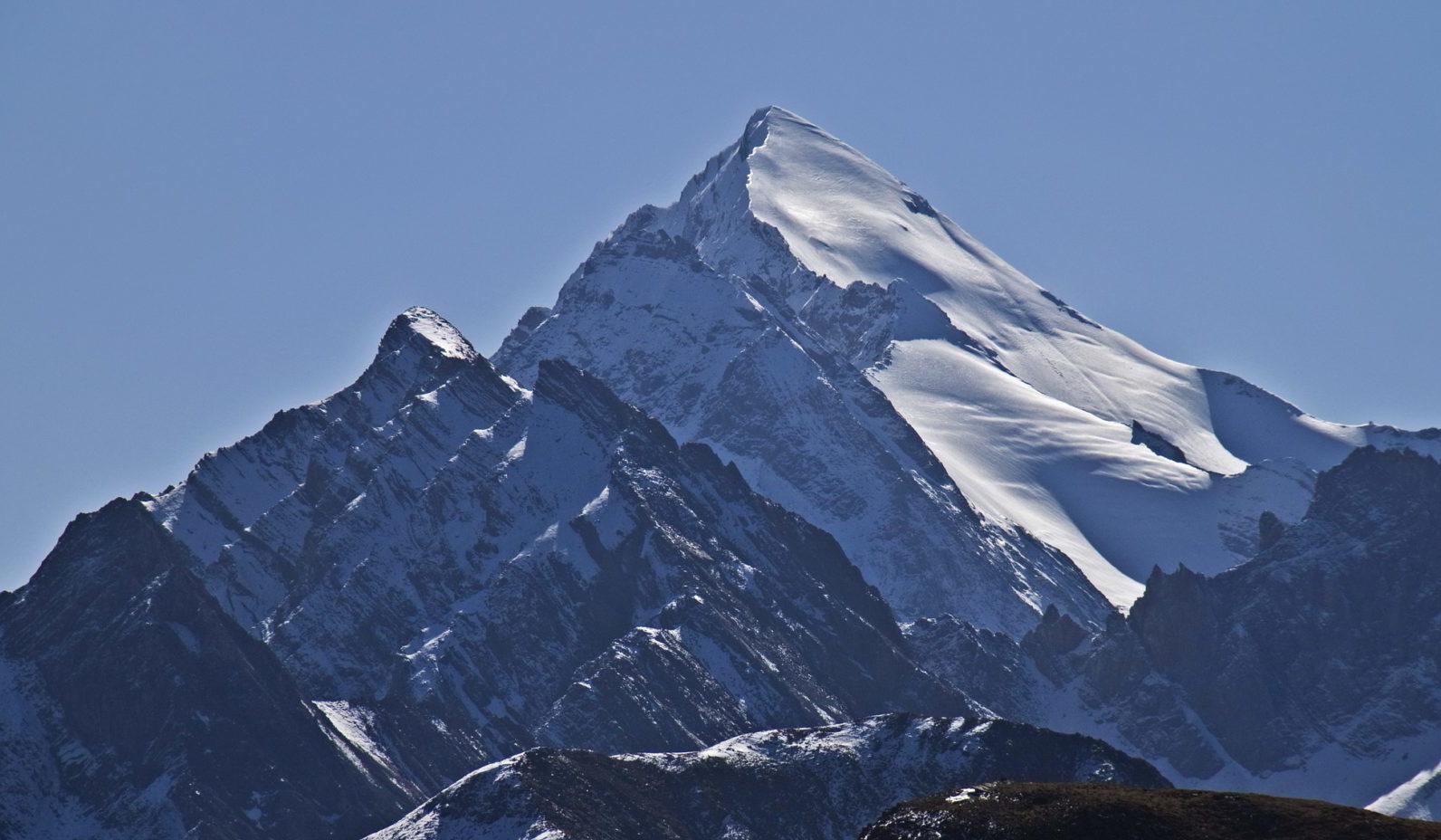 雪宝顶, 岷山主峰 (5,588m)